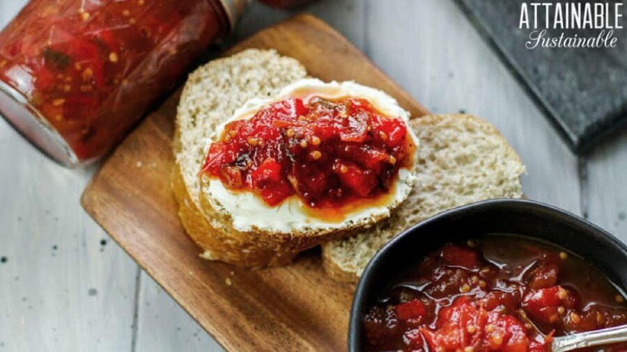 tomato chutney served on sliced baguette bread