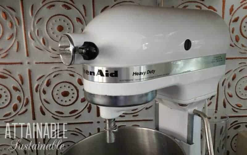 kitchen aid stand mixer: kitchen essentials!