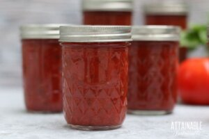 jars of home canned pizza sauce